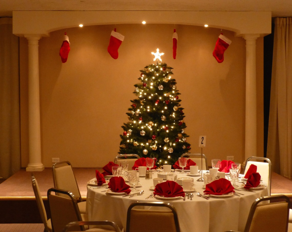 Mirage room holiday tree